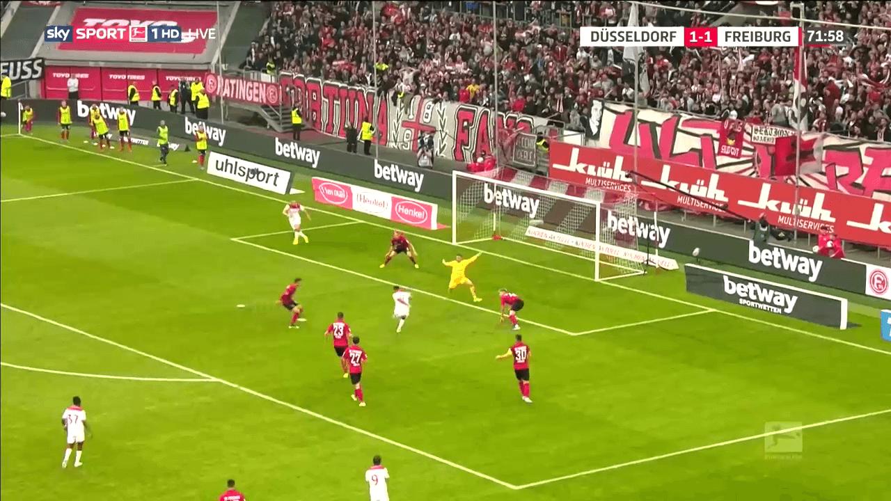 Alexander Schwolow: Utilising different techniques as a goalkeeper tactical analysis tactics